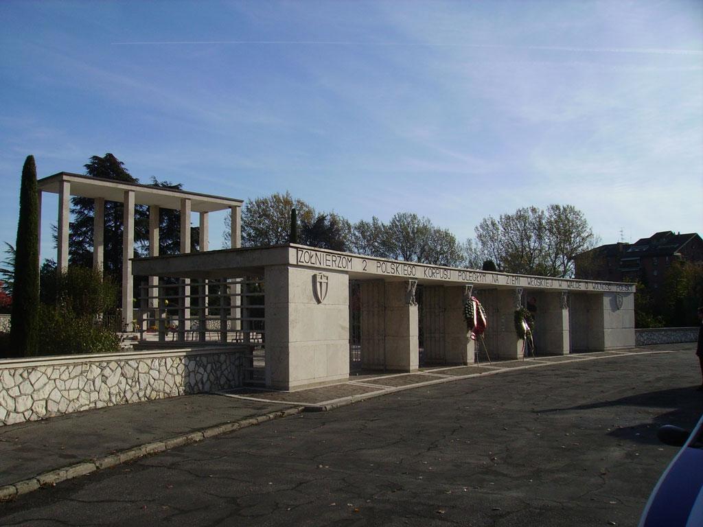 lingresso del cimitero di s.lazzaro